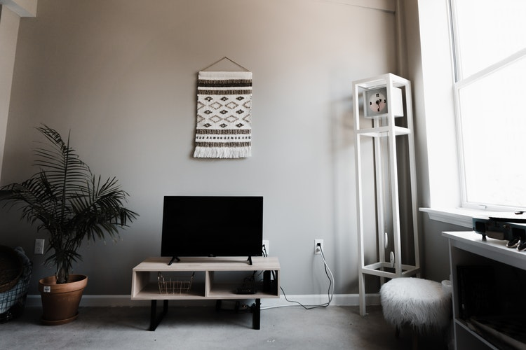 Are you in Delhi NCR and planning to purchase a Television?