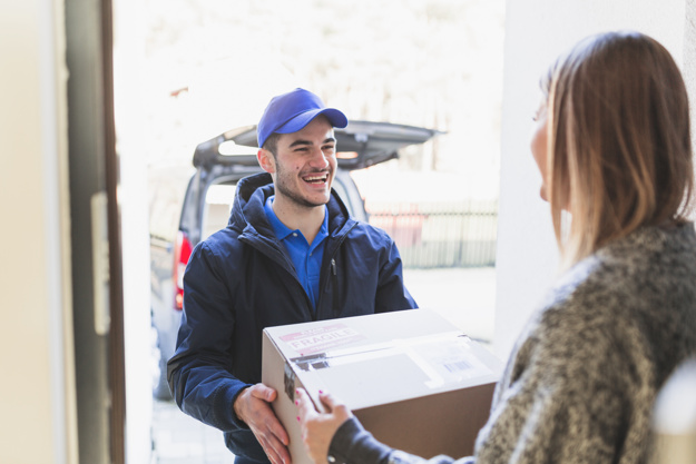3 Things to Consider When Selecting the Right Courier Service